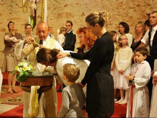 Requisitos de bautismo: adulto en Colombia